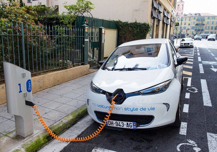 Electric Cars in France - voitures